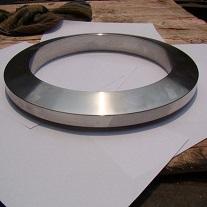 Gasced ar y Cyd Lens Ring